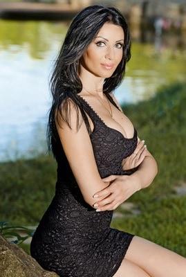 Christina Howard - Image 4