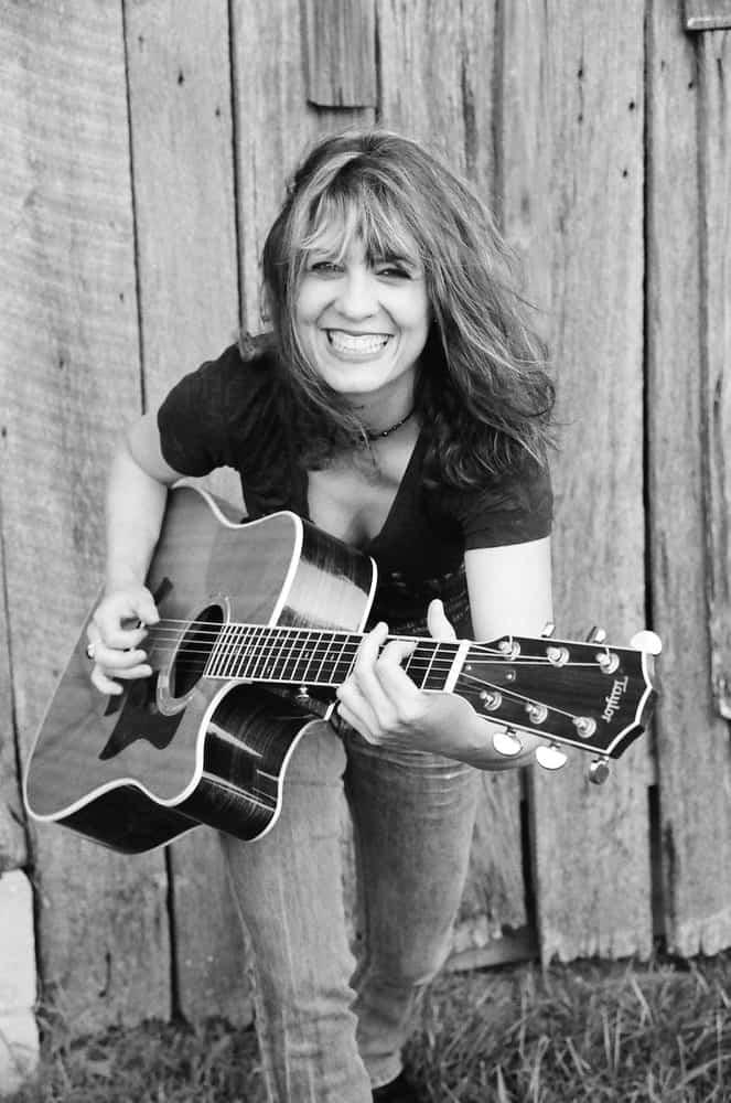 Janet Robin - Image 2