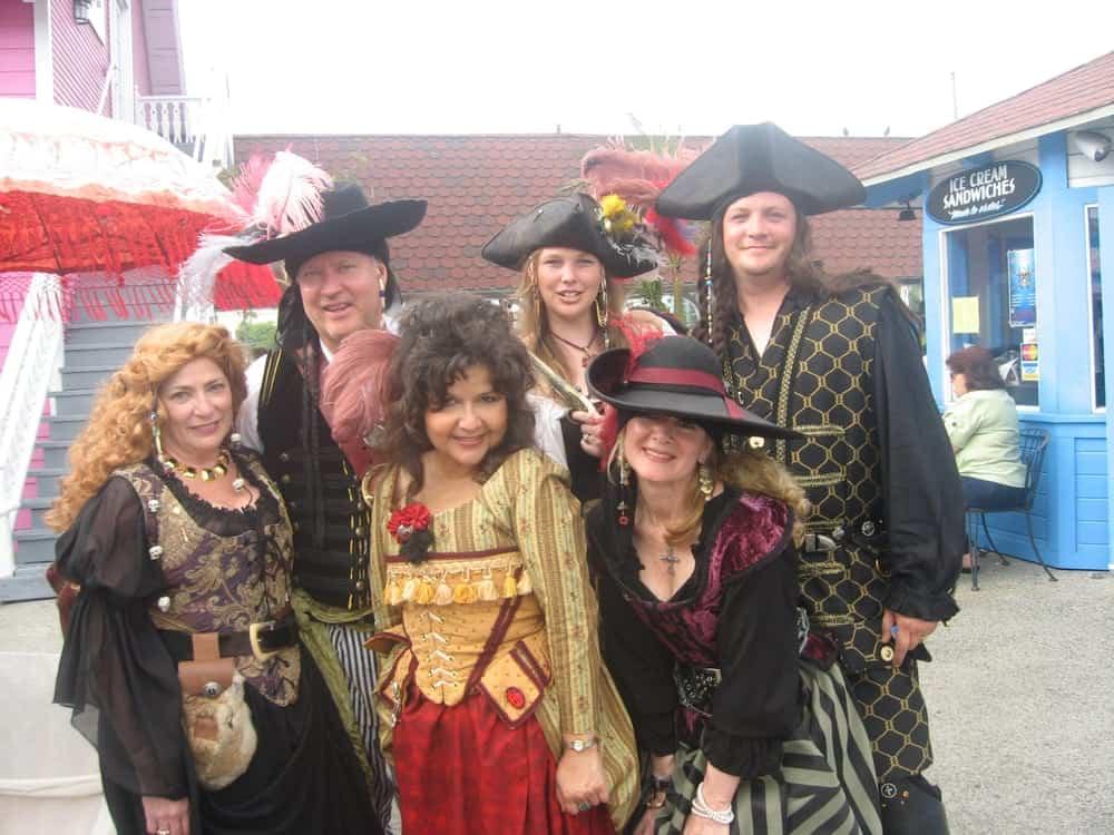 Bianca's Historic Costumes - Image 8